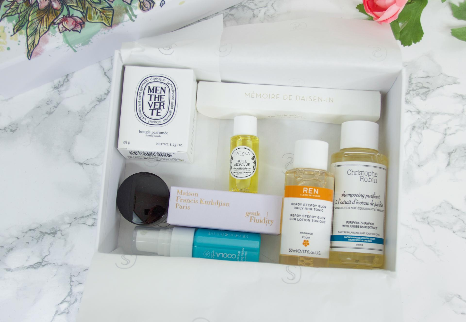 Skins Cosmetics Discovery Box